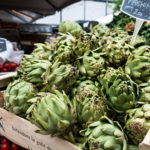foodiesfeed.com_artichokes-at-a-farmers-market